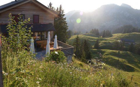 Berggasthaus Adlerhorst aussen Sonnenaufgang