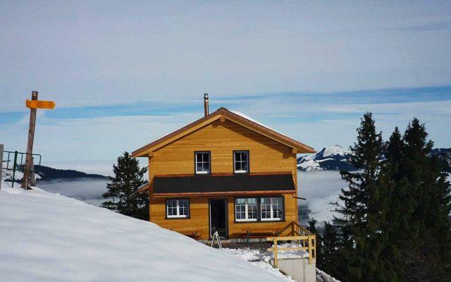 Adlerhorst Oberiberg Winter aussen