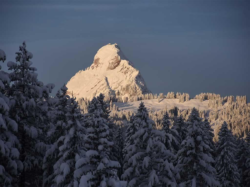 Morgenstimmung Mythen Winter Schnee