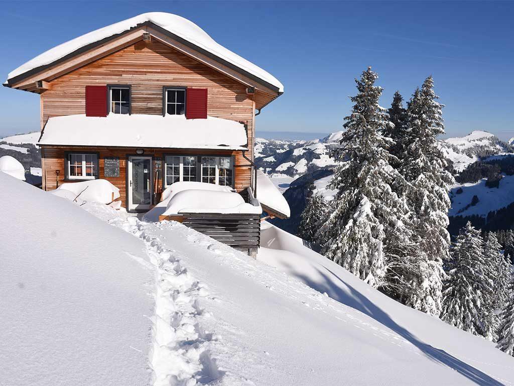 Bergbeizli Adlerhorst Oberiberg Hoch-Ybrig Winter Schneeschuhpfad