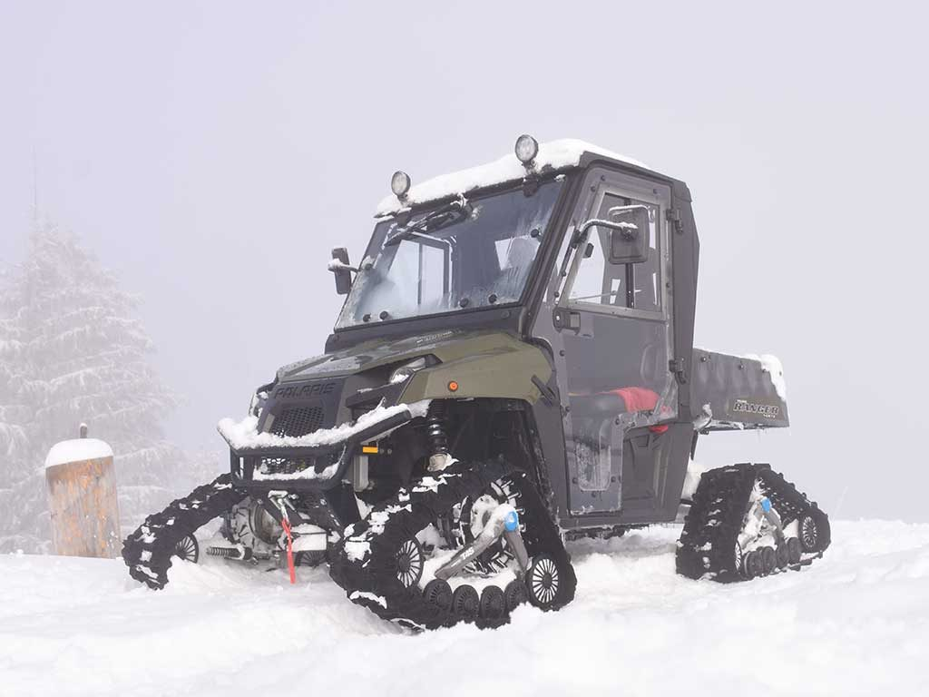 Polaris Ranger Raupenfahrzeug Winter Adlerhorst Hoch-Ybrig