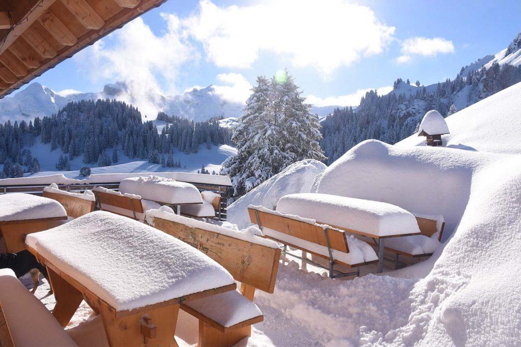 Terrasse im Schnee Adlerhorst Oberiberg