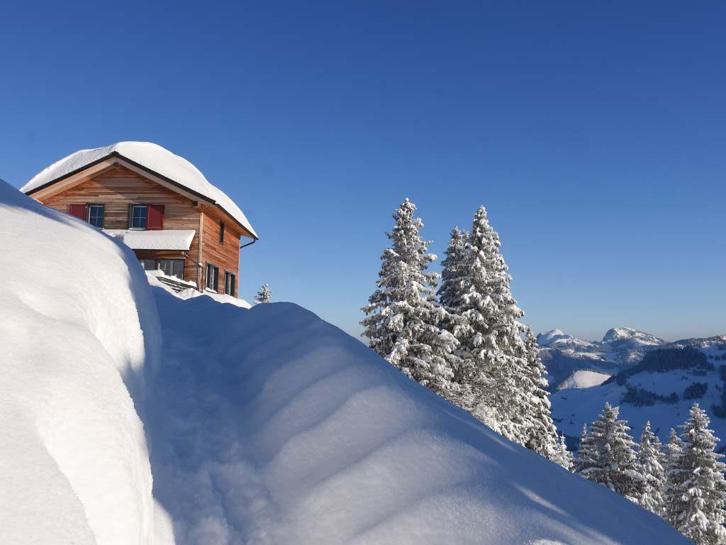 Adlerhorst Bergbeizli Winter Schneeschuhtrail Winterwanderweg