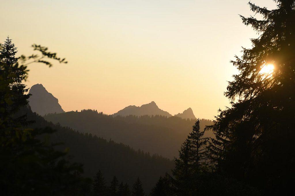 Adlerhorst Panorama Mythen Sonnenuntergang