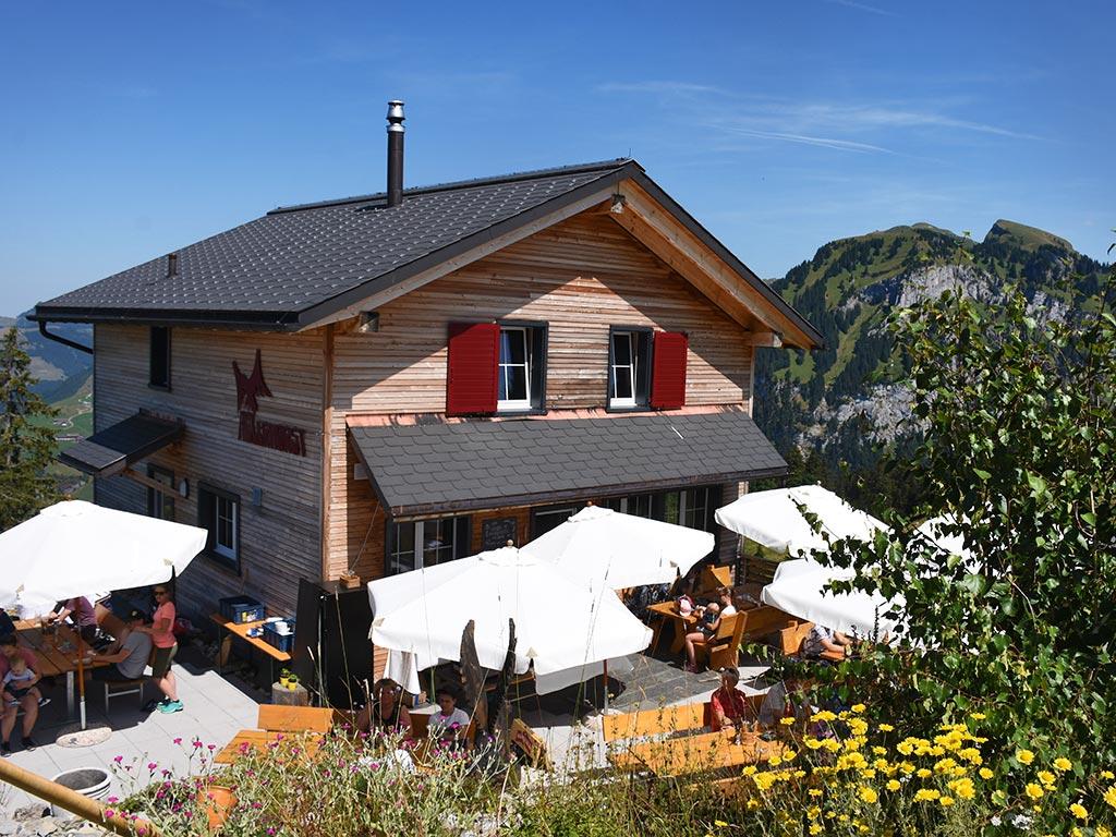 Adlerhorst Terrasse Sommer Berghütte