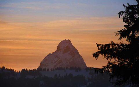 Mythen Sonnenuntergang Schneeschuhtour Winter Adlerhorst