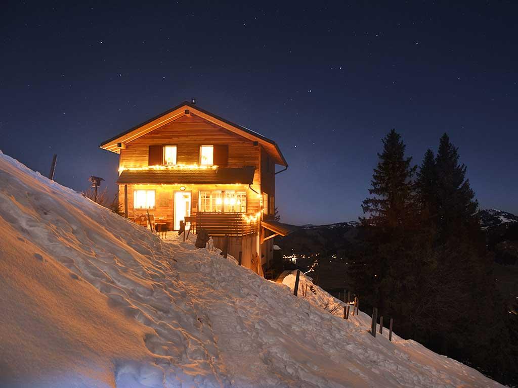 Berggasthaus Adlerhorst Oberiberg Nachtfoto Schnee Mondscheinwanderung