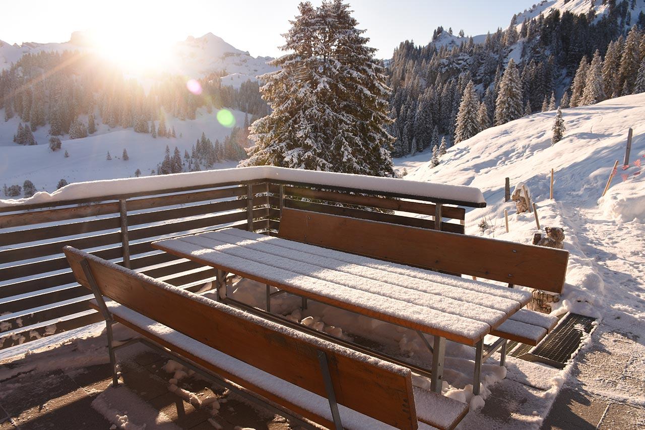 Adlerhorst Terrrase Wintermorgen Schnee