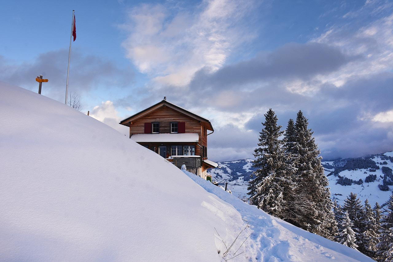 Bergbeizli Adlerhorst Winter Schnee