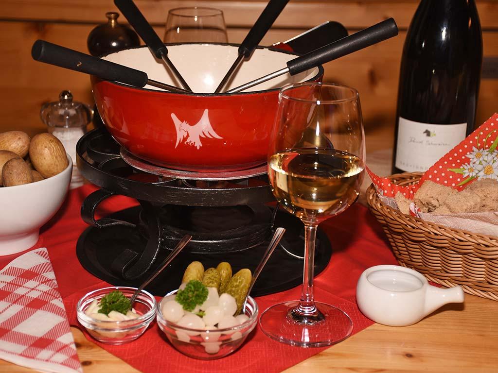 Käsefondue-Abend im Bergbeizli Adlerhorst Oberiberg